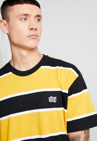 Obey Clothing - ACID CLASSIC TEE - T-shirt con stampa - black multi - 3