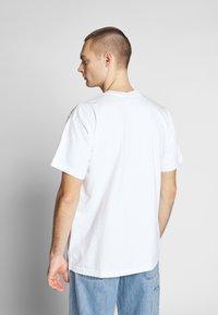 Obey Clothing - NOVEL  - T-shirts - white - 2