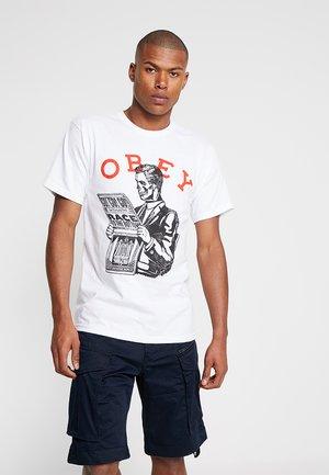 RACE TO THE BOTTOM - T-shirt print - white