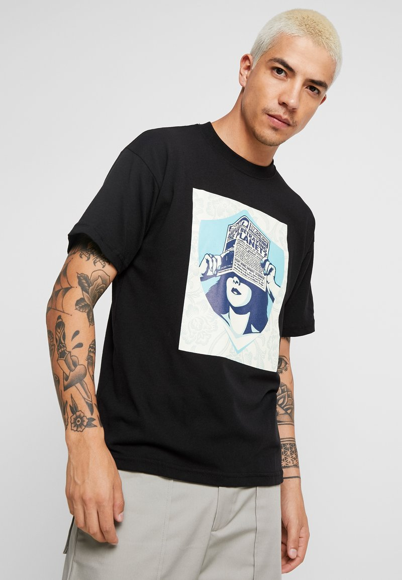 Obey Clothing - ARE WE BETRAYING THE PLANET - T-shirt con stampa - black