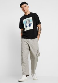 Obey Clothing - ARE WE BETRAYING THE PLANET - T-shirt con stampa - black - 1