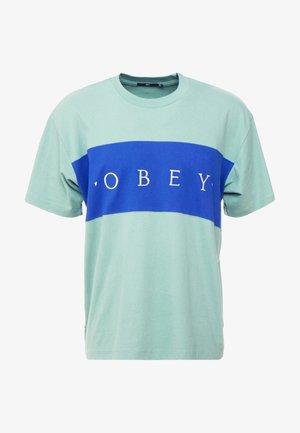 CONRAD CLASSIC TEE - T-shirts med print - sage multi