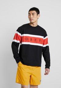 Obey Clothing - EMBRACE CLASSIC TEE - Maglietta a manica lunga - black multi - 0