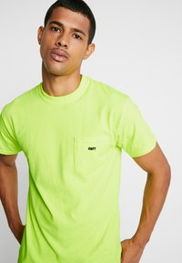 Obey Clothing - JUMBLED - T-shirt basique - saftey green - 4