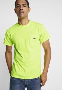 Obey Clothing - JUMBLED - T-shirt basique - saftey green - 0