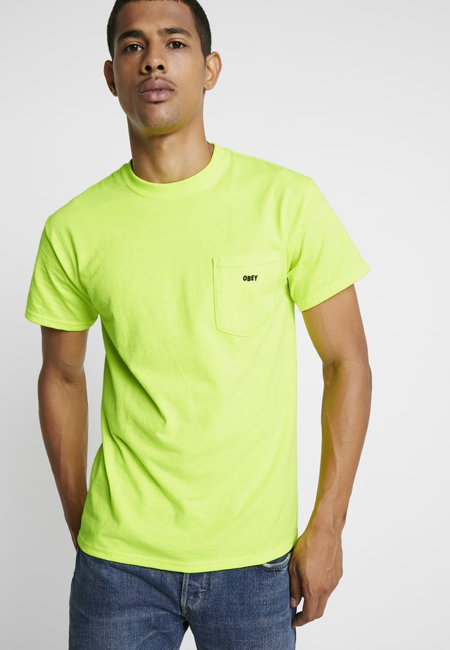 JUMBLED BASIC POCKET TEE - T-shirt basic - saftey green