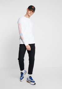 Obey Clothing - WORLDWIDE  - Longsleeve - white - 1