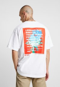 Obey Clothing - OBEY ONE LOVE - Printtipaita - white - 2
