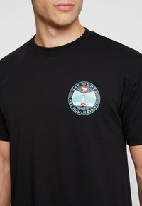 Obey Clothing - FIRE ISLAND - T-shirt med print - black - 4