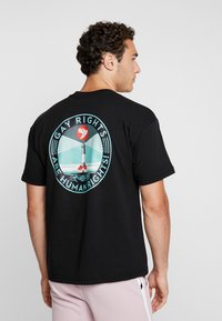 Obey Clothing - FIRE ISLAND - T-shirt med print - black - 2