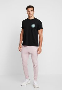 Obey Clothing - FIRE ISLAND - T-shirt med print - black - 1
