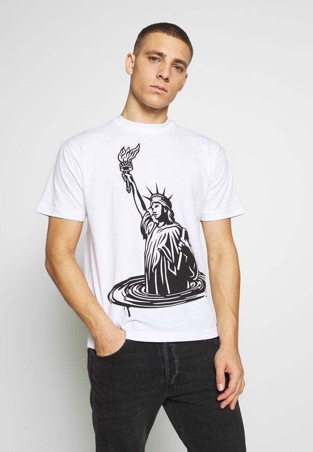 LADY LIBERTY - T-shirt med print - white