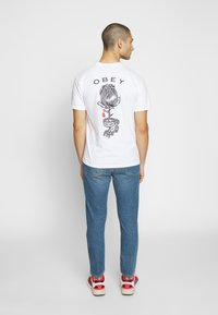 Obey Clothing - ROSE SHACKLE - Print T-shirt - white - 2