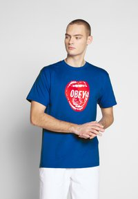 Obey Clothing - SCREAMIN LIPS - Triko spotiskem - royal blue - 0