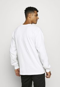 Obey Clothing - SQUEEZE OUT HATRED - Långärmad tröja - white - 2