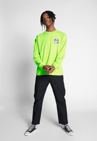 Obey Clothing - EYES ICON - Pitkähihainen paita - bright lime - 1