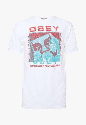 DECODING SCREENS - T-shirt med print - white
