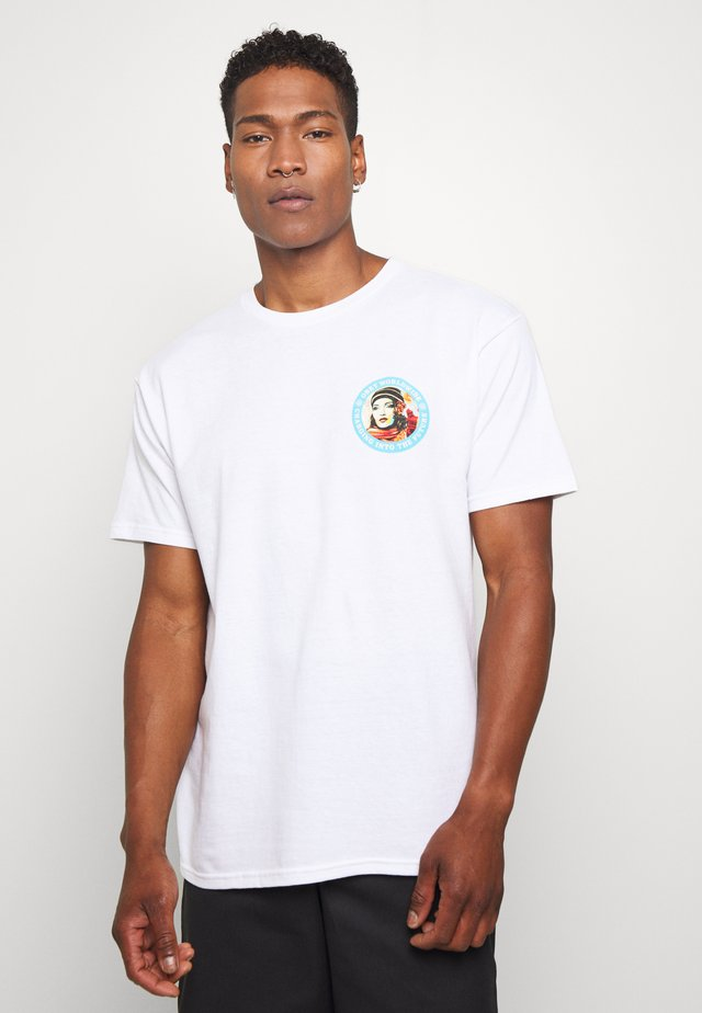 CHARGING INTO THE FUTURE - Print T-shirt - white