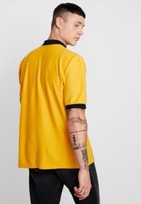 Obey Clothing - KELLY CLASSIC ZIP  - Camisa - energy yellow/multi-coloured - 2