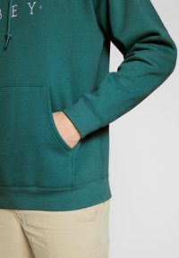 Obey Clothing - NOUVELLE HOOD - Luvtröja - eucalyptus - 5
