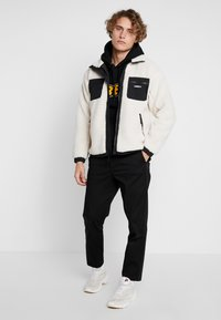 Obey Clothing - OUT THERE SHERPA JACKET - Allvädersjacka - natural - 1