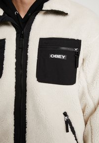 Obey Clothing - OUT THERE SHERPA JACKET - Allvädersjacka - natural - 4