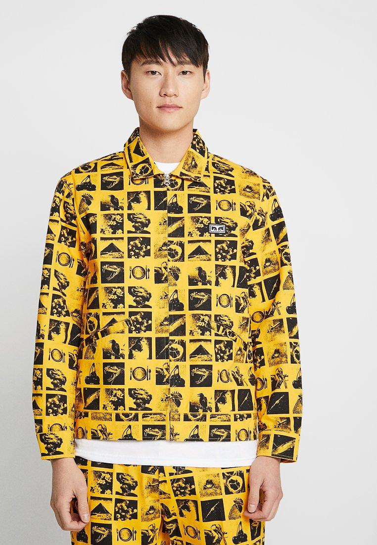 Obey Clothing - CHAOS TRUCKER - Chaqueta vaquera - zine energy yellow