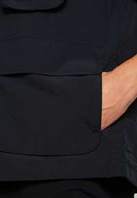 Obey Clothing - CEREMONY TECHNICAL VEST - Bodywarmer - black - 4