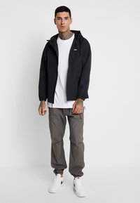 Obey Clothing - CAPTION JACKET - Kurtka wiosenna - black - 1
