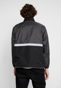 Obey Clothing - NORE POP OVER ANORAK - Winterjas - black - 2