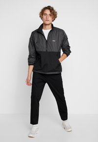 Obey Clothing - NORE POP OVER ANORAK - Winterjas - black - 1