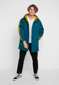 Obey Clothing - MAJOR STADIUM JACKET - Parka - deep teal - 1