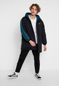 Obey Clothing - MAJOR STADIUM JACKET - Parka - black - 1