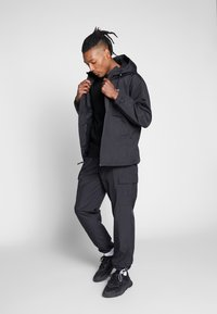 Obey Clothing - CAPTION JACKET - Lehká bunda - black - 1