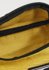 Obey Clothing - WASTED HIP BAG - Ledvinka - yellow - 2