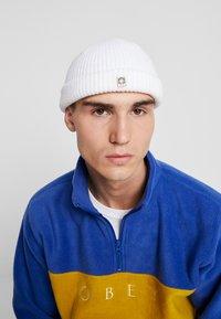 Obey Clothing - MICRO BEANIE - Gorro - white - 1