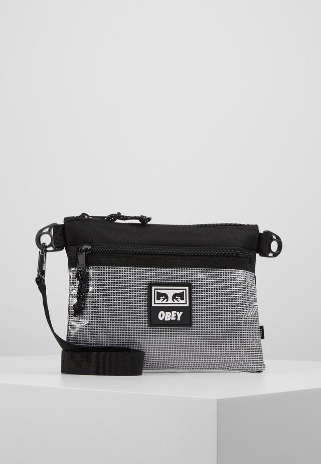 CONDITIONS SIDE BAG - Across body bag - black