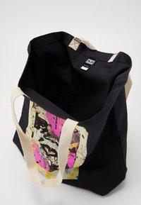 Obey Clothing - ENHANCED DISINTEGRATION - Shoppingveske - black - 2