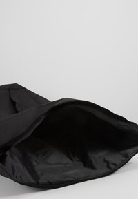 Obey Clothing - CONDITIONS ROLL TOP BAG - Reppu - black - 5