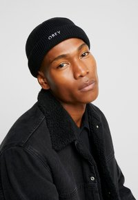 Obey Clothing - ROLLUP BEANIE - Berretto - black - 1