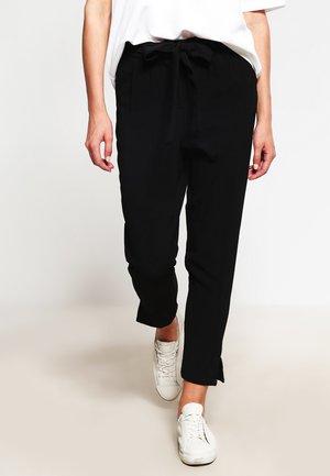OBJDELTA - Pantaloni - black