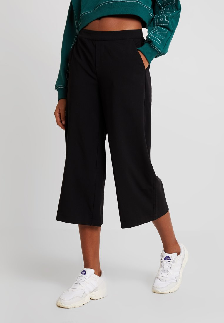 Object - OBJCECILIE CULOTTE PANTS NOOS - Trousers - black