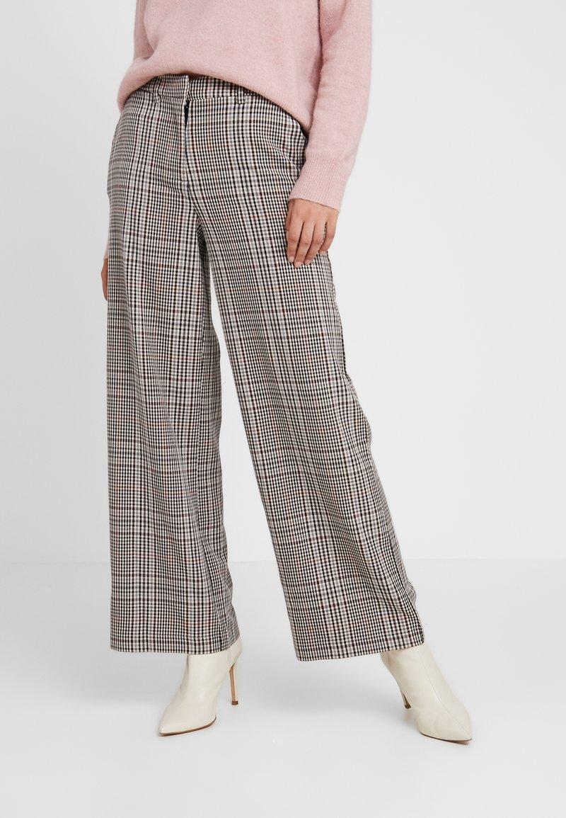 Object - OBJCALLIE PANT - Pantalon classique - doe