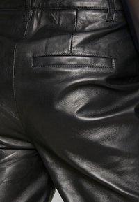 Object - OBJTIFANNY PANTS  - Kožené kalhoty - black - 4