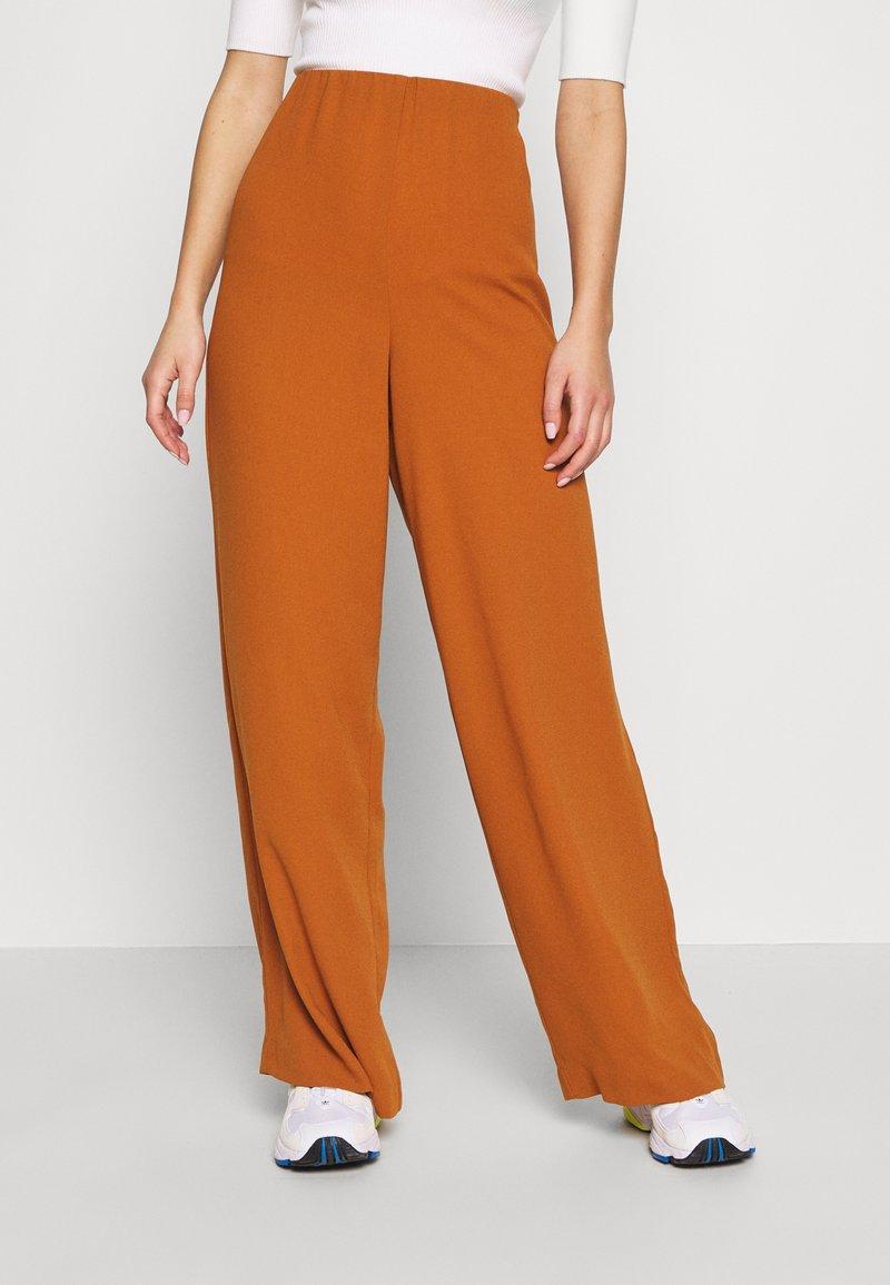 Object - OBJCAMIL PANT - Spodnie materiałowe - sugar almond