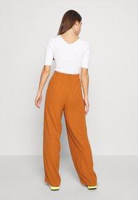 Object - OBJCAMIL PANT - Spodnie materiałowe - sugar almond - 2