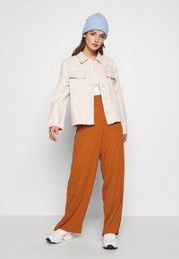 Object - OBJCAMIL PANT - Spodnie materiałowe - sugar almond - 1