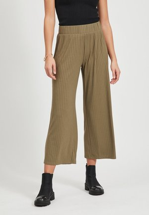 HOSE MIT WEITEM BEIN CROPPED - Trousers - burnt olive