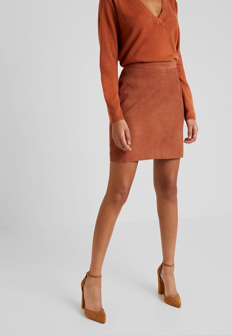Object - OBJCHLOE SKIRT SEASONAL - Falda de cuero - brown patina