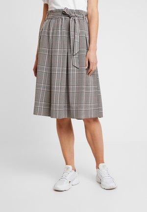 Áčková sukně - doe